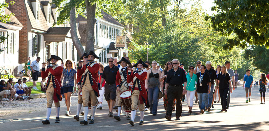 Colonial Williamsburg's fife and drum corps escorted TriSept meeting attendees from the Williamsburg Lodge to the taverns.