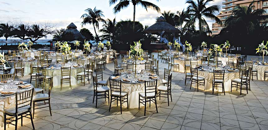 Attendees will enjoy an enchanted evening at an outdoor banquet at the Fiesta Americana Grand Coral Beach Cancun Resort & Spa.