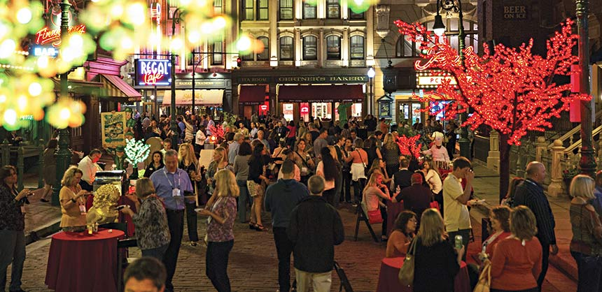Rockwell Automation attendees like the atmosphere, the F&B and energy found on the Streets of New York — one of Universal Orlando's popular locations for a street party.