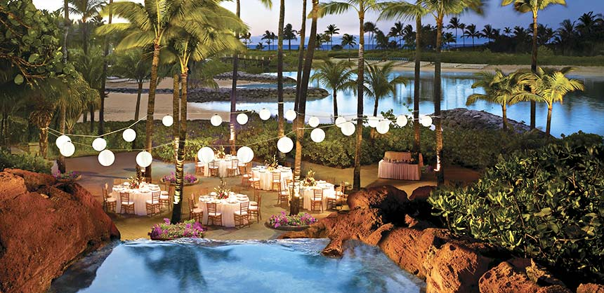 The Dig Deck at Atlantis Paradise Island is an ideal setting for an al fresco event as it offers sweeping lagoon views in an intimate setting.