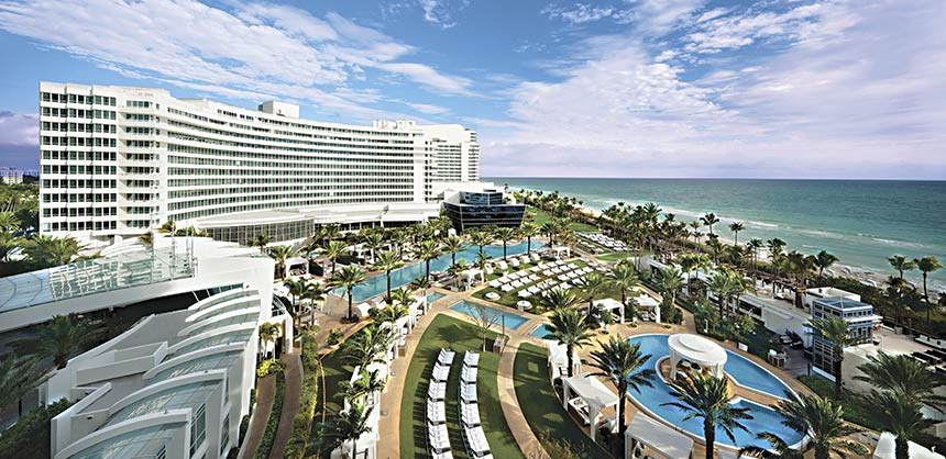 The Fontainebleau Miami Beach features 1,504 guest rooms, 107,000 sf of indoor meeting space and the 12,000-sf BleauLive Stage on the Ocean Lawn.