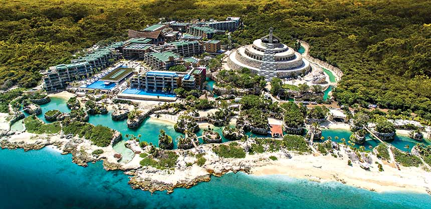 Hotel Xcaret Mexico offers unlimited access to its 6 parks and offers 8 bars and 10 restaurants from which attendees can choose.