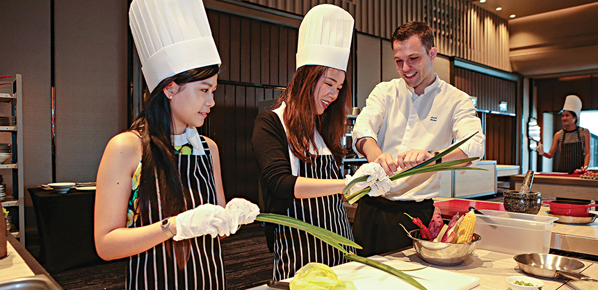 One very popular F&B trend is offering cooking classes or cooking demonstrations, which gives attendees a chance for a truly unforgettable experience at an event. Courtesy of Daniel Bucher
