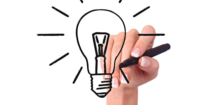 Hand drawing light bulb