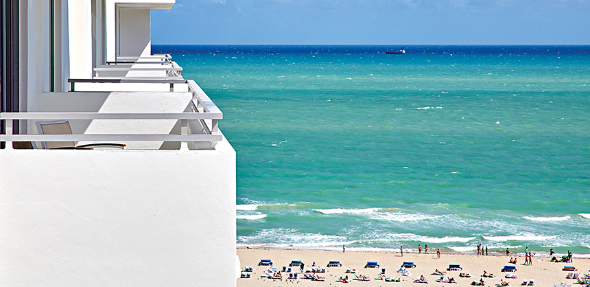 Loews Miami Beach Hotel offers balconies with spectacular views of the Atlantic Ocean.
