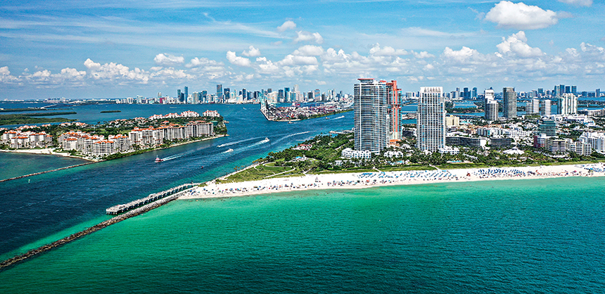 Miami Beach offers a large selection of top-notch resorts and hotels, all offering exquisite beach and ocean vistas. Photo: MiamiAndBeaches.com
